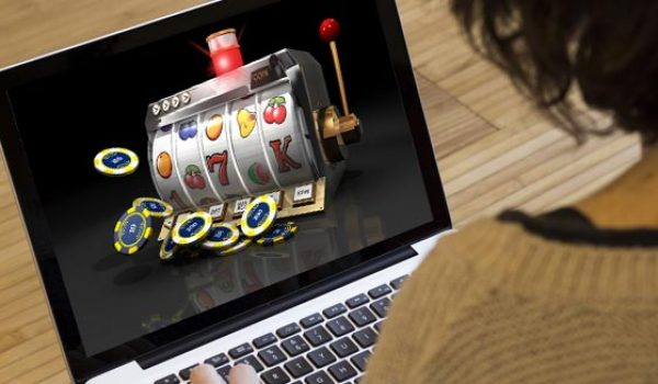 Playing online slots on the Internet
